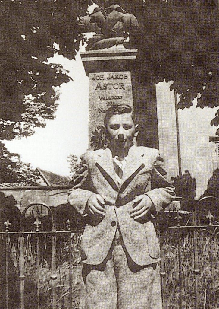 Kurt Klein, Astor, Denkmal, Walldorf